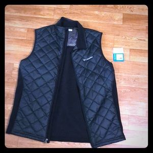 Columbia Black vest NWT